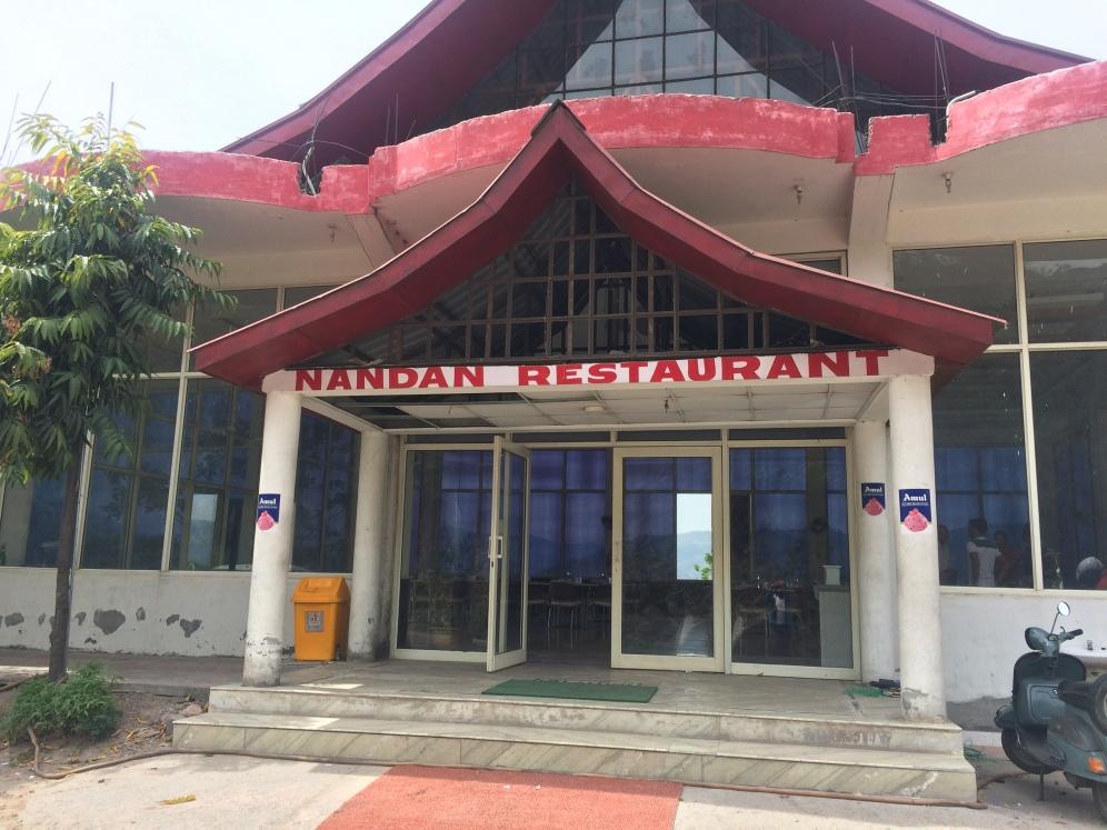Lunch break at Nandan